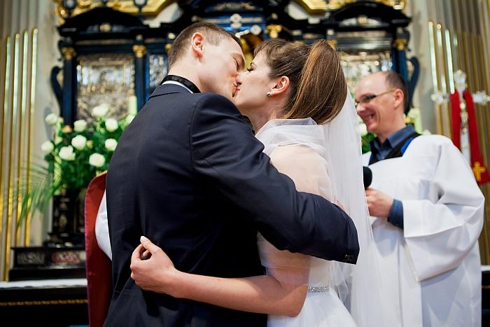 27-pierwszy-pocalunek