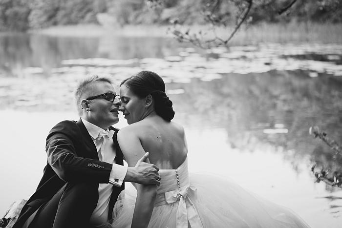 1 (23)-black-and-white-wedding-photo