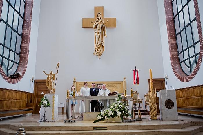 1 (46)Parafia-i-Sanktuarium-Matki-Bozej-Krolowej-Polskich-Męczenników-w-Warszawie