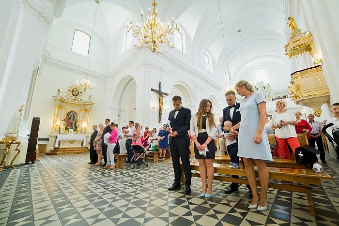 3 (12)-parafia-rzymskokatolicka-wniebowziecia-nmp-stare-babice