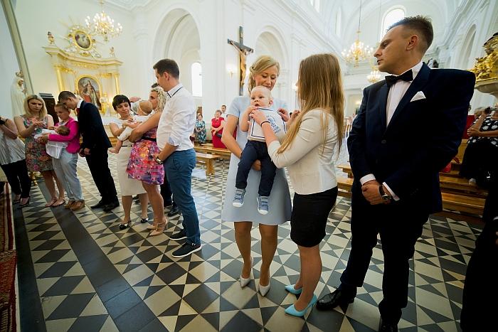 3 (21)parafia-rzymskokatolicka-wniebowziecia-nmp-stare-babice