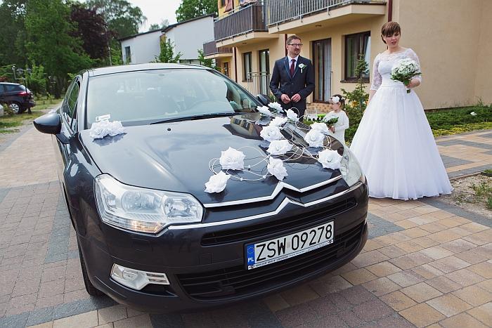 8-16-dekoracje-slubne-samochodu