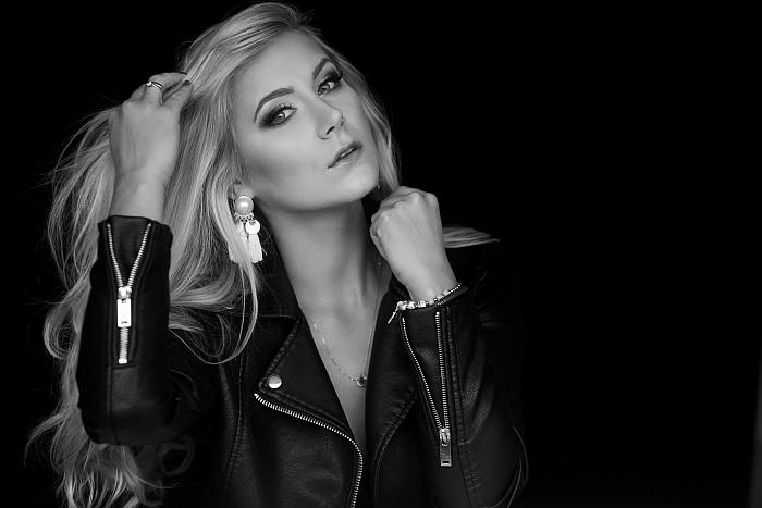 Bardzo dobryFantastyczny Kobieca sesja zdjęciowa – Sylwia – Ania Mioduszewska Fotografia PX45